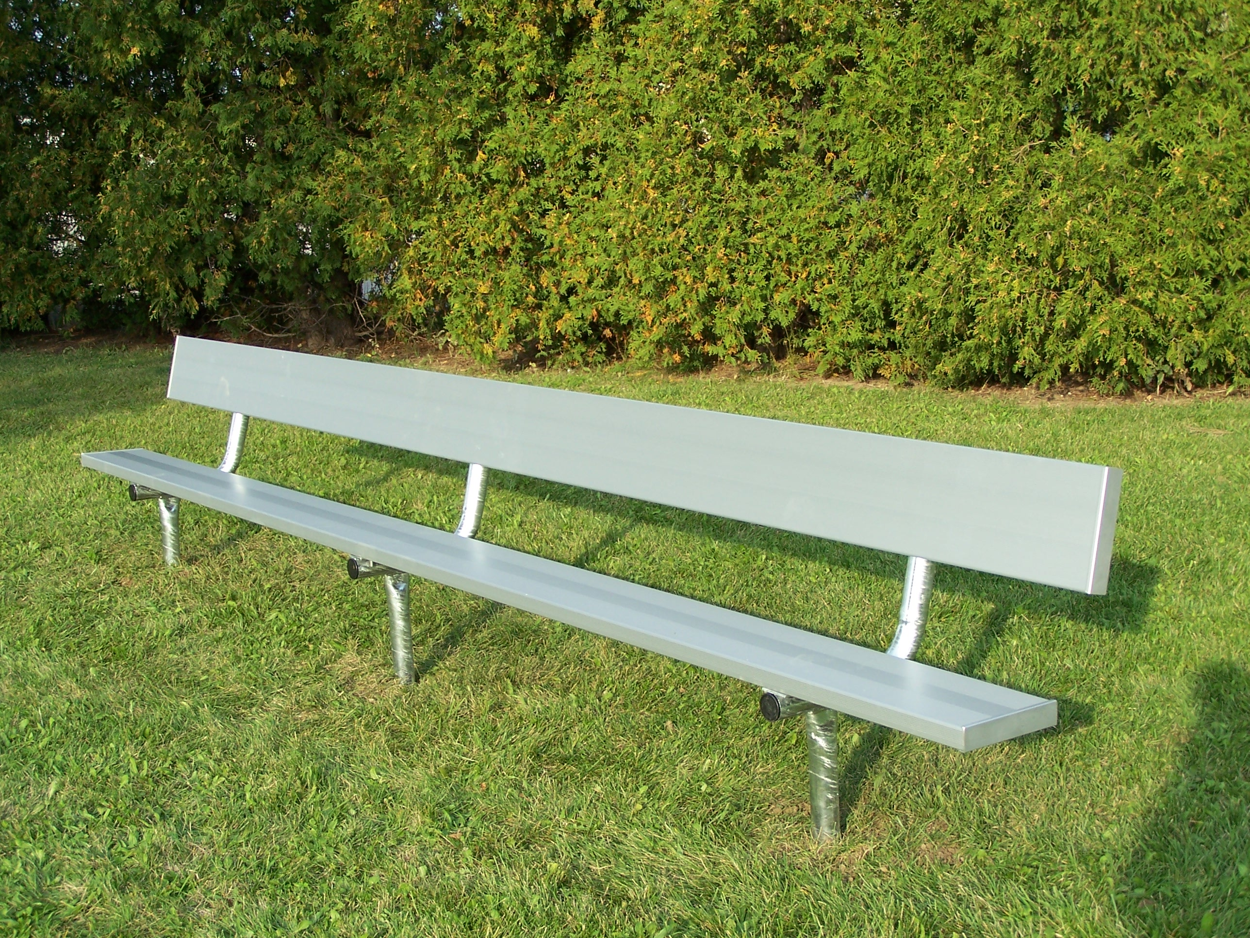 aluminum bench with heavy duty legs
