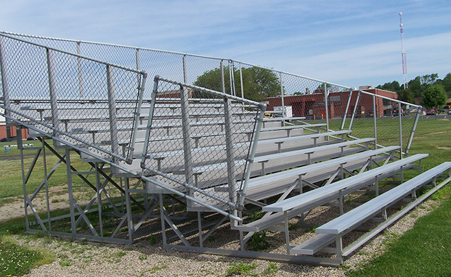 aluminum bleachers for medium to large groups